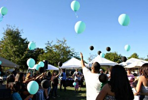 Photo by L&B Photography Participants release balloons in memory of loved ones during 2014's Living Above The Influence event.