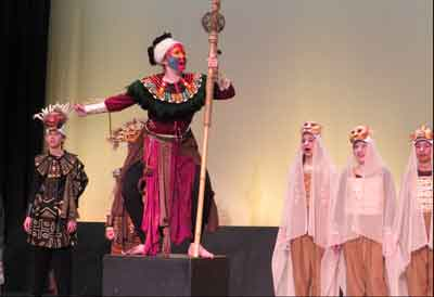 Oakwood students prepare for performances of 'The Lion King, Jr.'