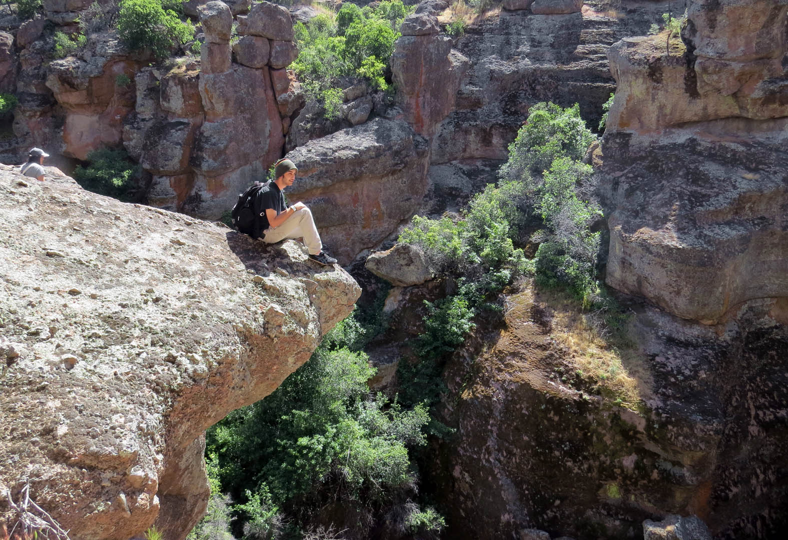 Education: Field trip to the Pinnacles teaches LO students geology first hand